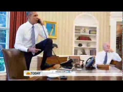 obama s foot on oval office desk stirs controversy youtube rh youtube com