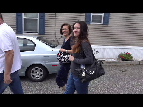 Home Owner sees her GORGEOUS 1 Bedroom House for the first time Sept 6, 2016 In EdisonMobileEstates