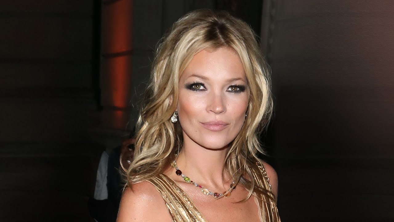 Charlotte Tilbury S Makeup Mastercl How To Get The Kate Moss Look Net A Porter Com You