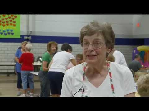 Crucifixion School bakes Applefest apple pies
