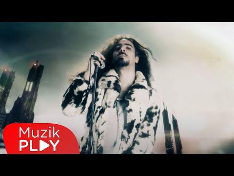 Cem Başak -  Nefesini Tut (Official Video)