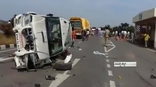4 killed and 1 Severe Injury in Road Accident at Wanaparthy District