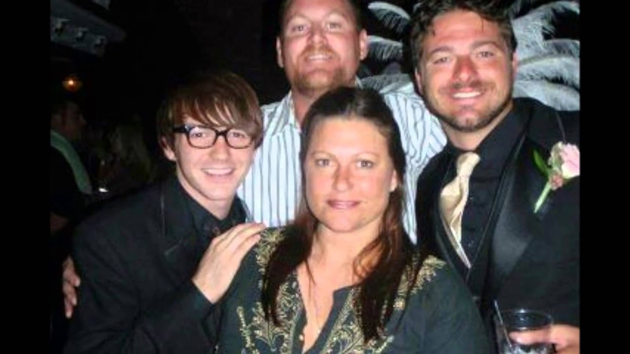Drake bell with his siblings youtube kristyandbryce Images