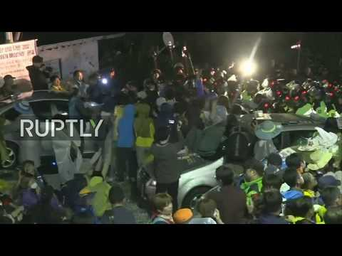 LIVE: Protesters and police scuffle in Seongju over THAAD deployment in South Korea