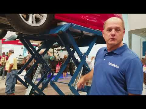 Nussbaum Lifts Booth At The SEMA 2017 Show