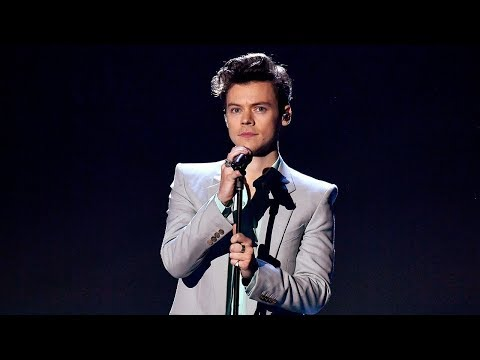 Harry Styles - Only Angel (Victoria's Secret 2017 Fashion Show Performance)