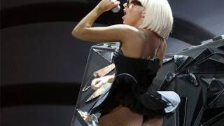 lady gaga bares all to twiyt lindsay lohan and lily allen break it down and more on twiyt 40