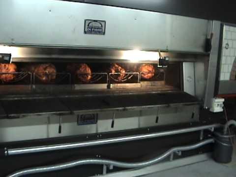 Forno a legna per porchetta porchetta wood fired oven for Sportello per forno a legna