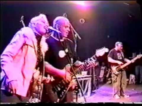 "Sublime feat. Gwen Stefani - ""Saw Red"" Live in Las Vegas (1995)"