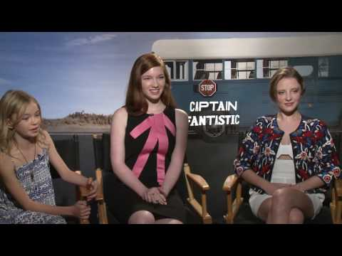 CAPTAIN FANTASTIC: Samantha Isler, Annalise Basso & Shree Crooks Sing