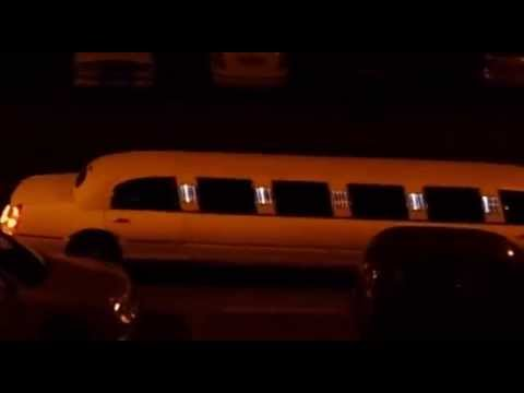 Limousine struggles with Parking @ Budapest