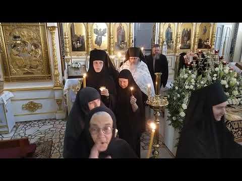 Великая Суббота. Встреча Благодатного огня. Елеонский женский монастырь. Апрель 2020.