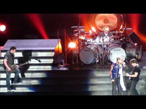 Van Halen -- Setlist - Review -- Pictures -- Rogers Arena -- Vancouver, Canada -- May 7 2012!