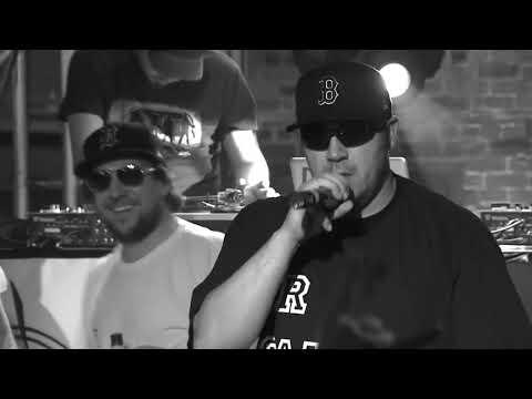 Youtube: Black Taboo – Live au Cercle: 16 janvier 2012 (B&W)