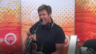 Nick en Simon zingen 'Hier en Nu' op Radio Gelderland