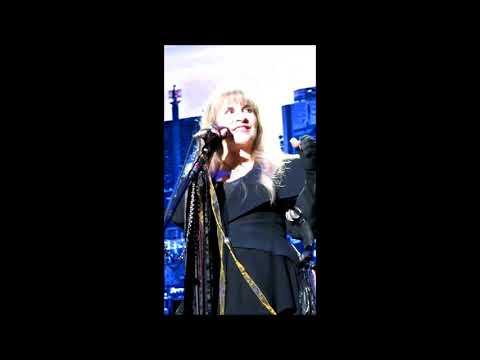 Stevie sings