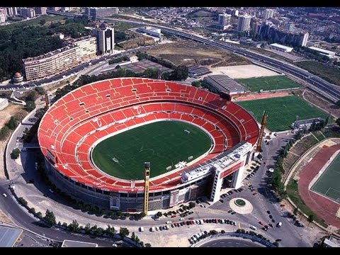 Antigo est dio da luz 1998 slbenfica 3 0 fcporto youtube for Piso 0 estadio da luz