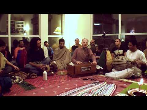 Bhajan - Mukunda Datta das - Bhaja Hure Mana