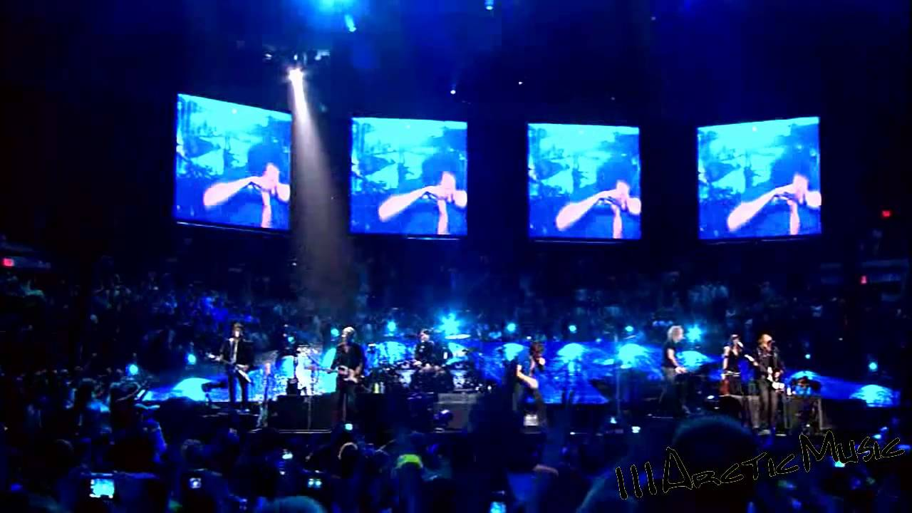 Livin on a prayer bon jovi live at madison square Bon jovi madison square garden april 15