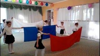Танец с полотнами