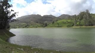 الاستماع لسورة الفجر على بحيرة بالهند روعة