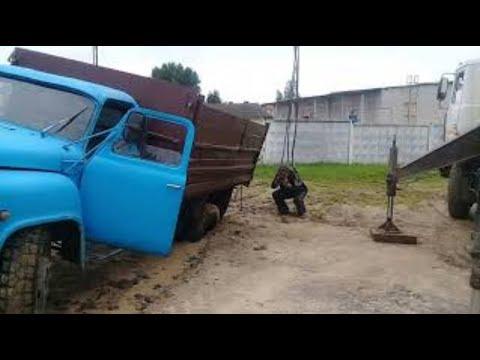 Нежданчик после дождей . ГАЗ-53 провалился. Surprise after the rains. GAZ-53 failed.