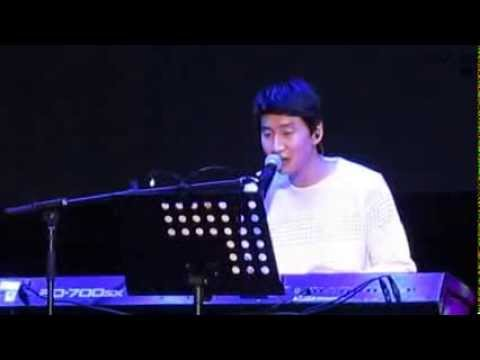 Electronic Keyboard played by Lee Kwang Soo; Fan Meeting in Malaysia 2014