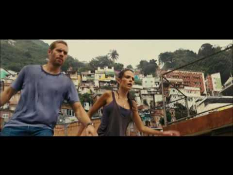 Fast Five  Clip  Reyes´ men chase Brian and Mia