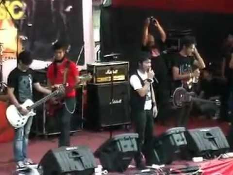 Tian Fm - five minutes live perfrom AmbiLkan Bulan SMA 1 Lawang†Malang