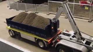 Incredible RC Truck with Loading Mechanism like a real one - Great RC Fun!