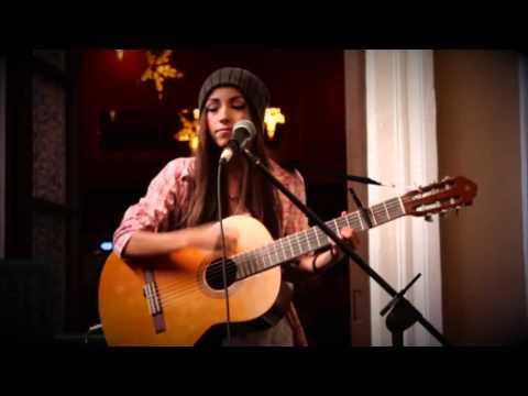 Daniela Calvario - Corazon en la maleta (Luis fonsi)