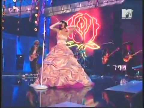 Katy Perry - I Kissed A Girl (Premios MTV latinoamerica 2008)