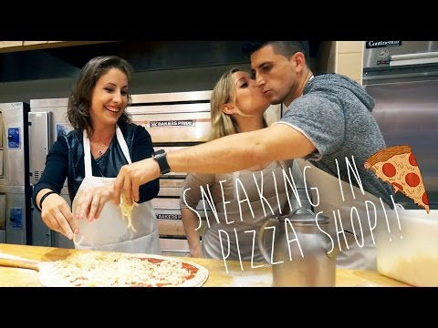 SNEAKING IN PIZZA SHOP!!!