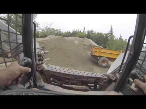 Bobcat T190 Skidsteer Loading Tractor Trailers