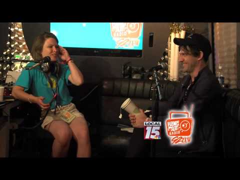 Baixar Backstage interview with Conor Oberst at Hangout 2014