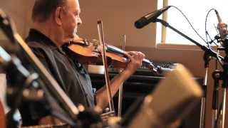 """Bobby Hicks performs """"Maiden"""
