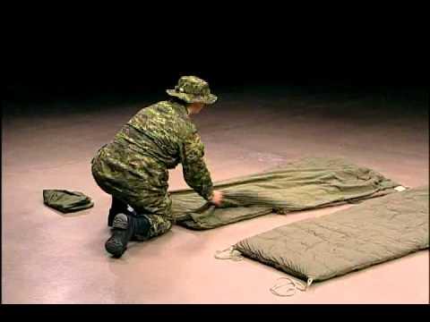 enta nement tactique assembler un sac de couchage youtube. Black Bedroom Furniture Sets. Home Design Ideas