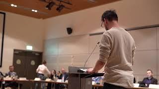 Dennis Messemaker  spreekt in bij Raadsvergadering in Alblasserdam