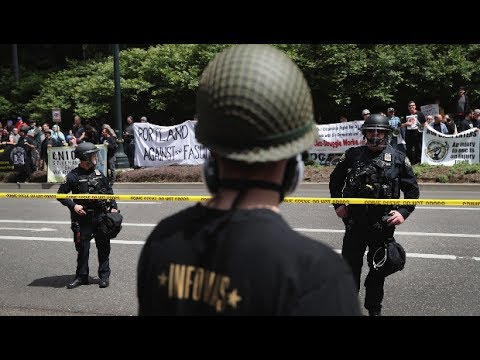 Right-Wing Militia Helps Police Arrest Portland Protesters