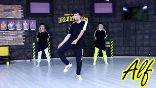 "Хип-хоп танцы – школа Dream Team ""Урок 8"". Базовое движение ""Alf"""