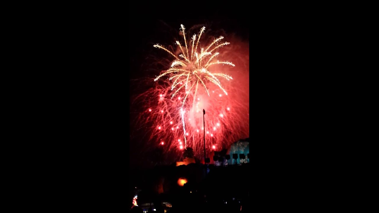 NYE 2013 Fireworks at Knott's Berry Farm - YouTube