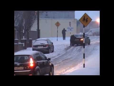 Drogheda snow 2010.wmv