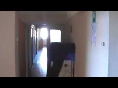 Отставной Бродяга: Переселенец живет в коридоре.
