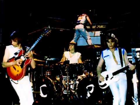 ASIA - Midnight Sun Live 1982 - YouTube