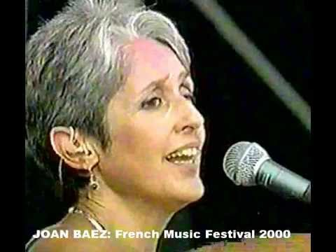 JOAN BAEZ - Don't Think Twice It's Alright with accordion intro by Martin Green
