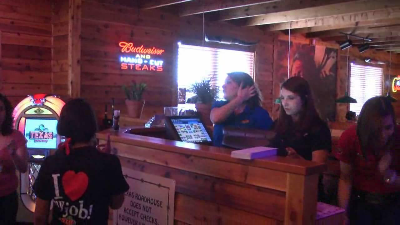 Video Inside Texas Roadhouse Youtube