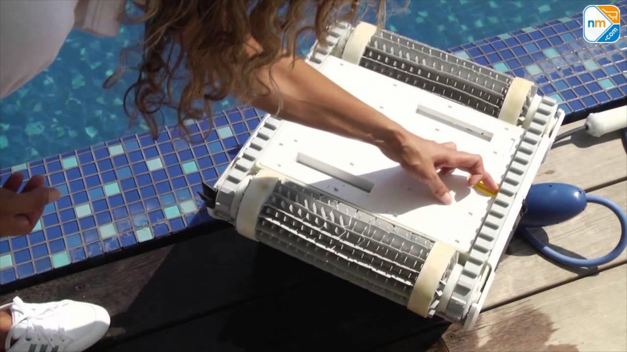 dolphin galaxy cl robot de piscine fond et parois chez. Black Bedroom Furniture Sets. Home Design Ideas