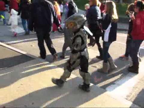 Spenceru0027s Master Chief costume. & Spenceru0027s Master Chief costume. - YouTube