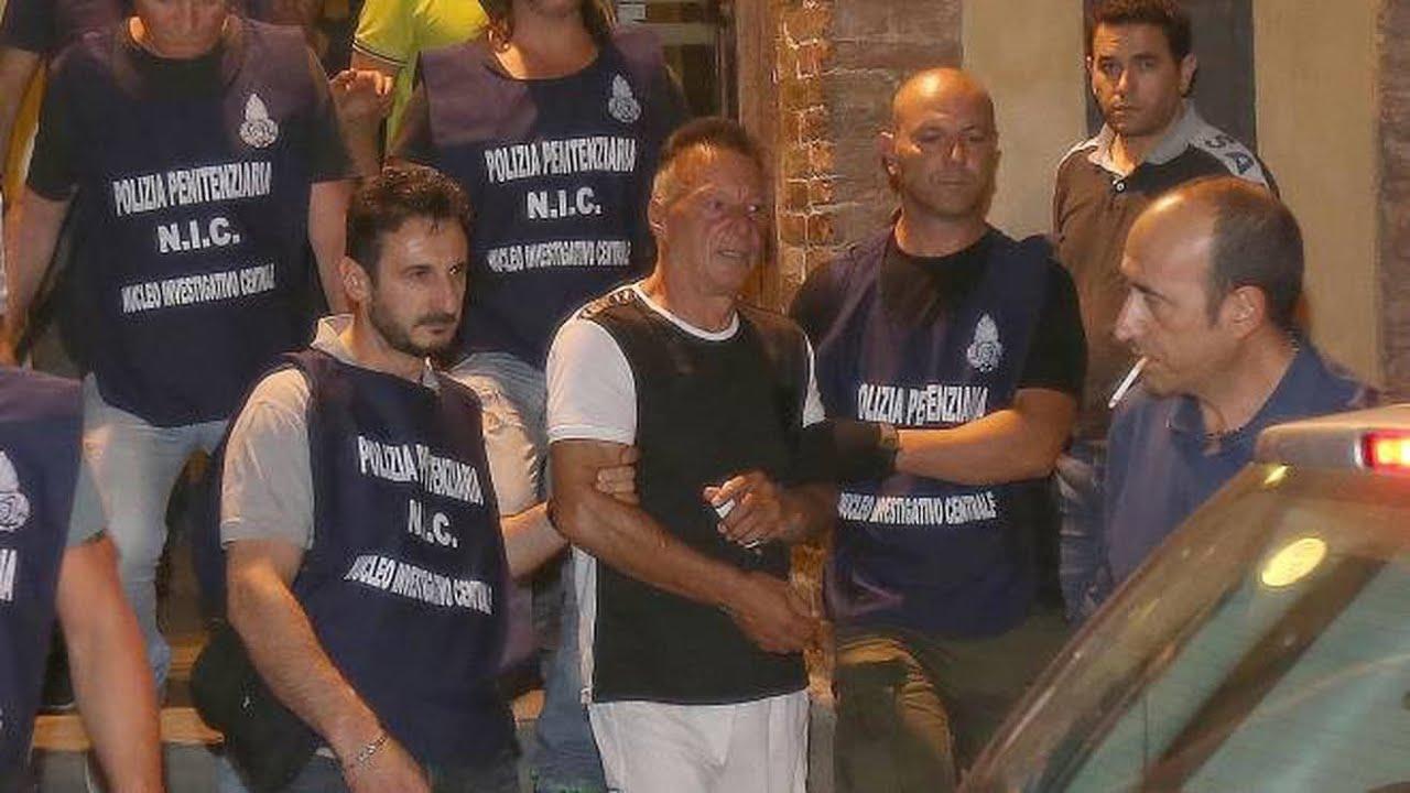 """Download CATTURATO JOHNNY LO ZINGARO. AI POLIZIOTTI HA DETTO """"SI FUGGE SEMPRE  PER AMORE""""."""