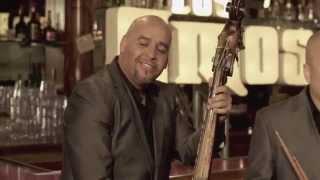 Los Amos - El Vino Me Hace Mal Video Oficial